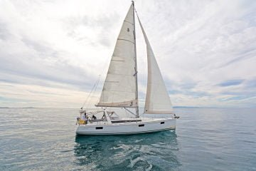 Photos of our Oceanis 48